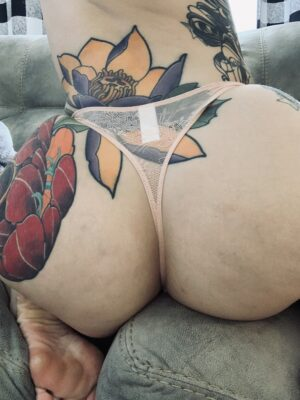 Kate's Nude w/ Black Lace Thong [Pregnant]